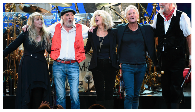 "Lindsey Buckingham sues Fleetwood Mac for telling him to ""Go your own way"""